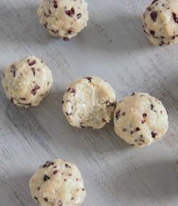 Mint Choc Chip Cookie Dough Balls (paleo, vegan, grain free)