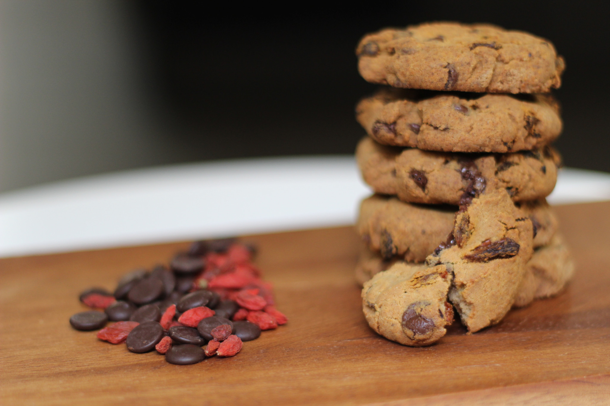 Dark Choc Goji Protein Cookies & a Cookie Round-Up