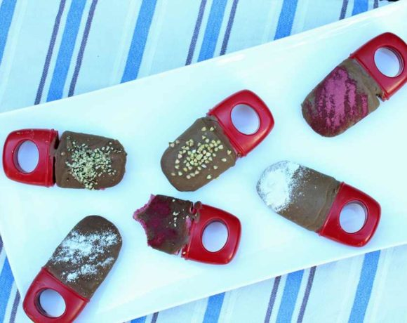 Choc Berry Pops (vegan. paleo. low carb)